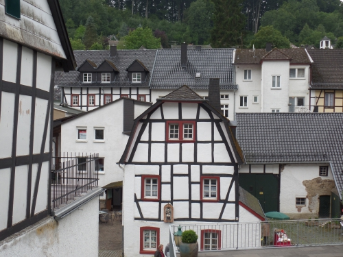 Slenteren door Monschau